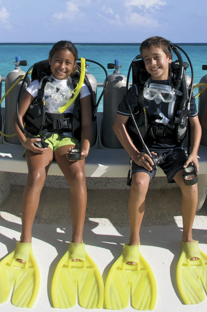 kids getting ready to dive