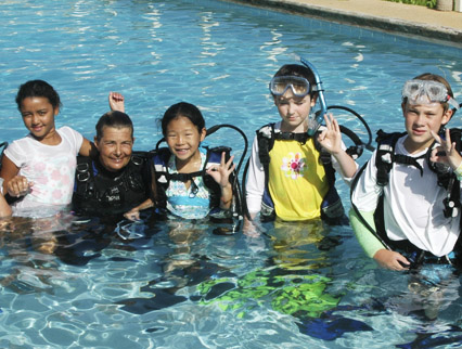 kids learning to dive